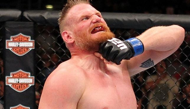 Barnett (foto) venceu em seu retorno ao octógono após mais de 18 meses. Foto: Josh Hedges/UFC