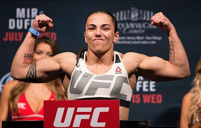 Jéssica (foto) venceu quatro das últimas seis, mas vai mudar de divisão. Foto: Josh Hedges/UFC