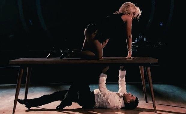 VanZant durante apresentação de tango argentino. Foto: Reprodução