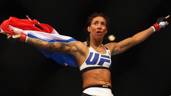 De Randamie é a primeira campeã peso pena do UFC. (Foto: Getty Images)