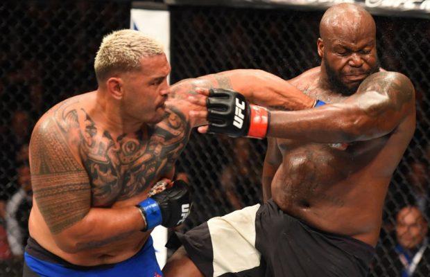 Hunt (esq) venceu Lewis (dir) na última luta Foto: Reprodução/Twitter/UFC