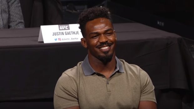 Jones deixou a modéstia de lado ao se avaliar (Foto: Reprodução/Youtube/UFC)