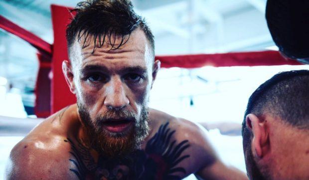 C. McGregor (foto) provocou Tyson (Foto: Reprodução Twitter thenotoriousmma)