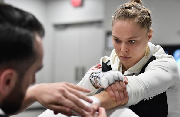 Ronda não deve mais lutar MMA (Foto: Reprodução/Facebook UFC)