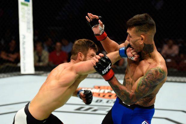 Kattar (esq) venceu o favorito Fili (dir) (Foto: Reprodução/Twitter UFC)