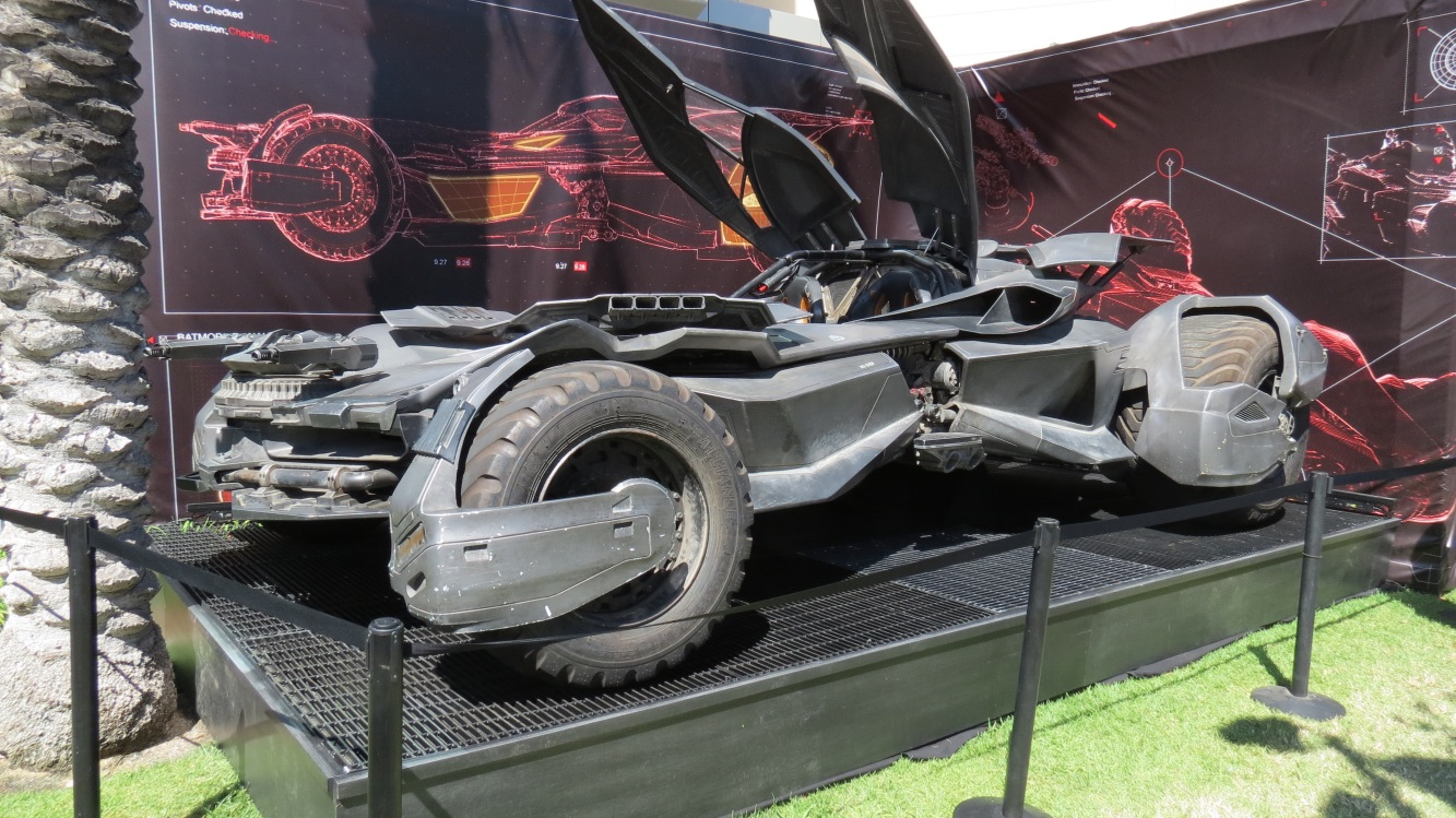 160724-SDCC-batmobile