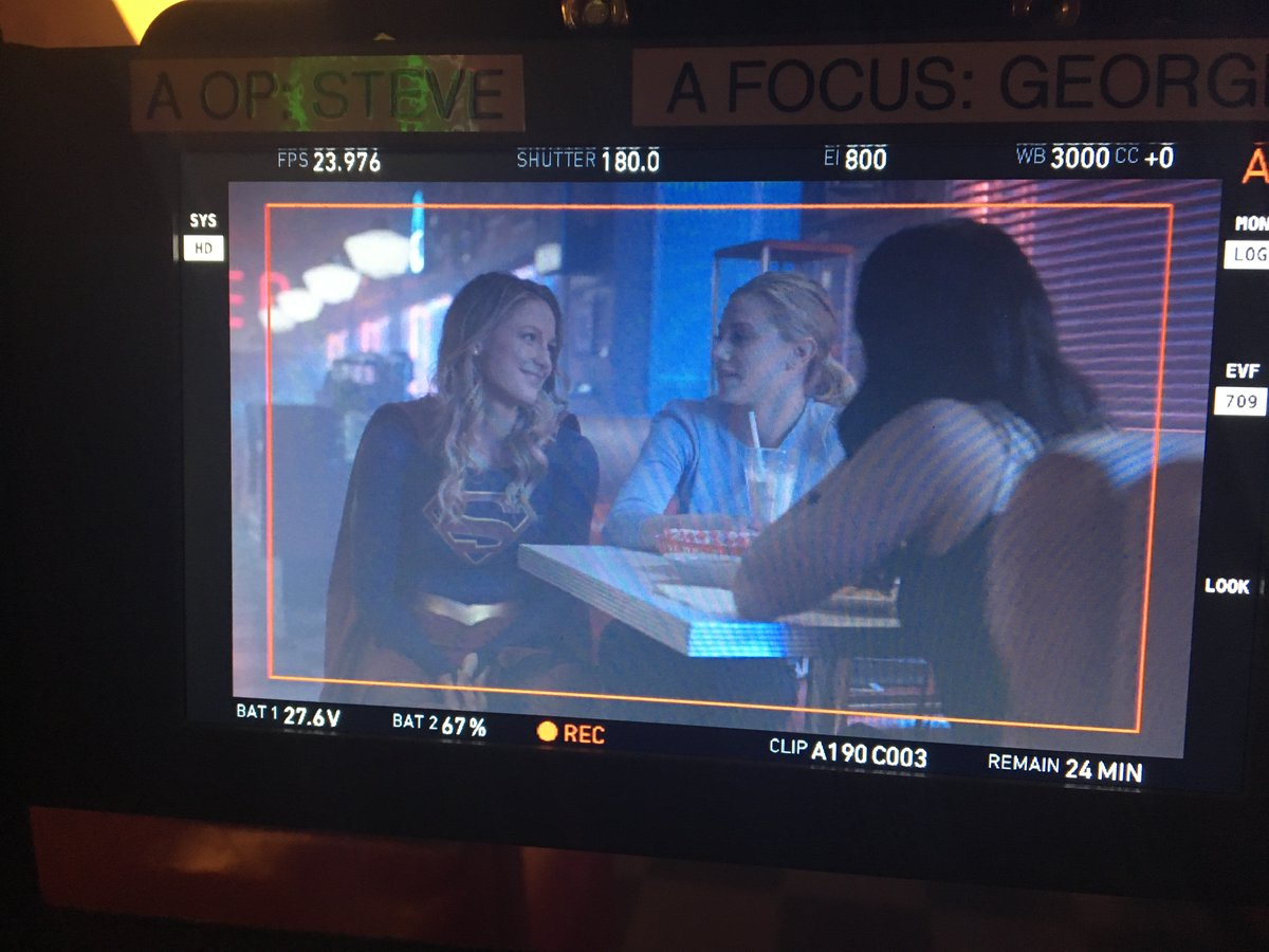 Supergirl Dropped by the Riverdale Set to Hang with Betty and Veronica