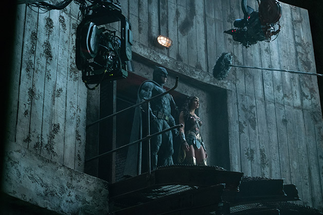 Justice_League_Batman_Wonder_Woman_BTS_Two