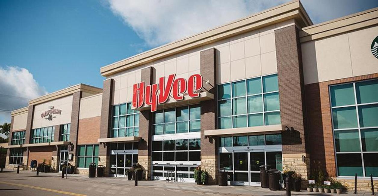 Hy-Vee extends reserved shopping times to online   Supermarket News