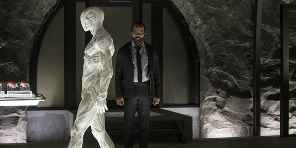 "WestworldS02E04Bernard - Westworld (S02E04) ""The Riddle of the Sphinx"""