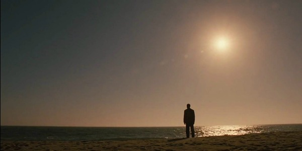 "WestworldS02E10BernardontheBeach - Westworld: ""The Passenger"" (S02E10)"
