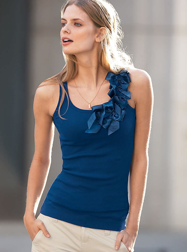 Victoria's Secret Online Catalog – Julia Stegner Vol. 1