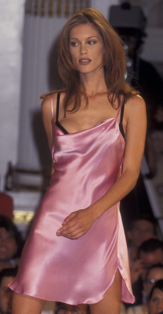 Victoria's Secret Fashion Show 1995 – Runway – Keri Claussen [x 5]