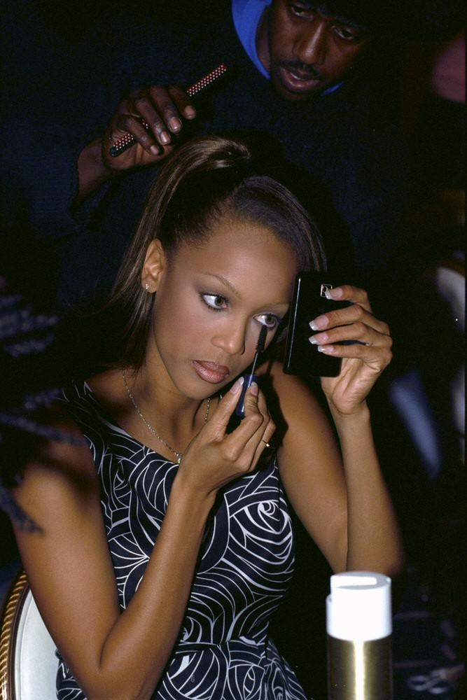 Victoria's Secret Fashion Show 1996 – Backstage [x 5]
