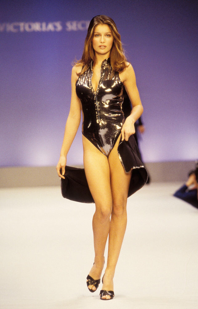Victoria's Secret Fashion Show 1997 – Runway – Laetitia Casta [x 7]