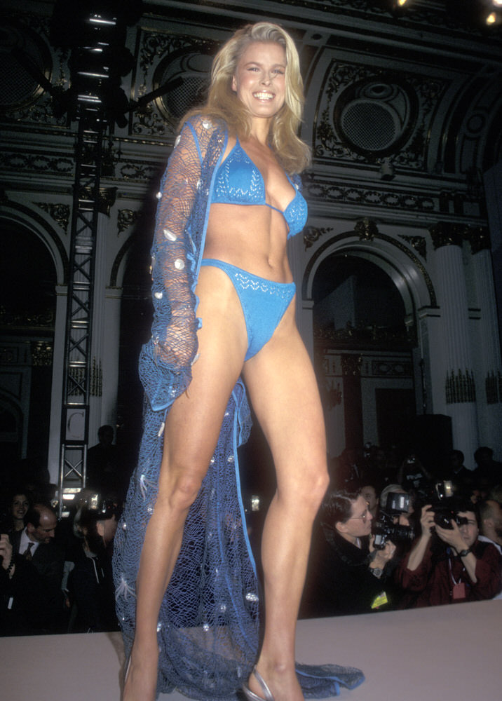 Victoria's Secret Fashion Show 1997 – Runway – Vendela Kirsebom [x 6]