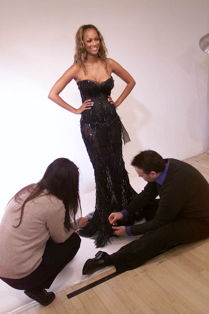 Victoria's Secret Fashion Show 2001 – Fittings – Tyra Banks [x 7]