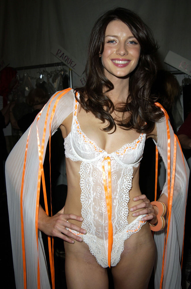 Victoria's Secret Fashion Show 2002 – Backstage – Caitriona Balfe [x 2]