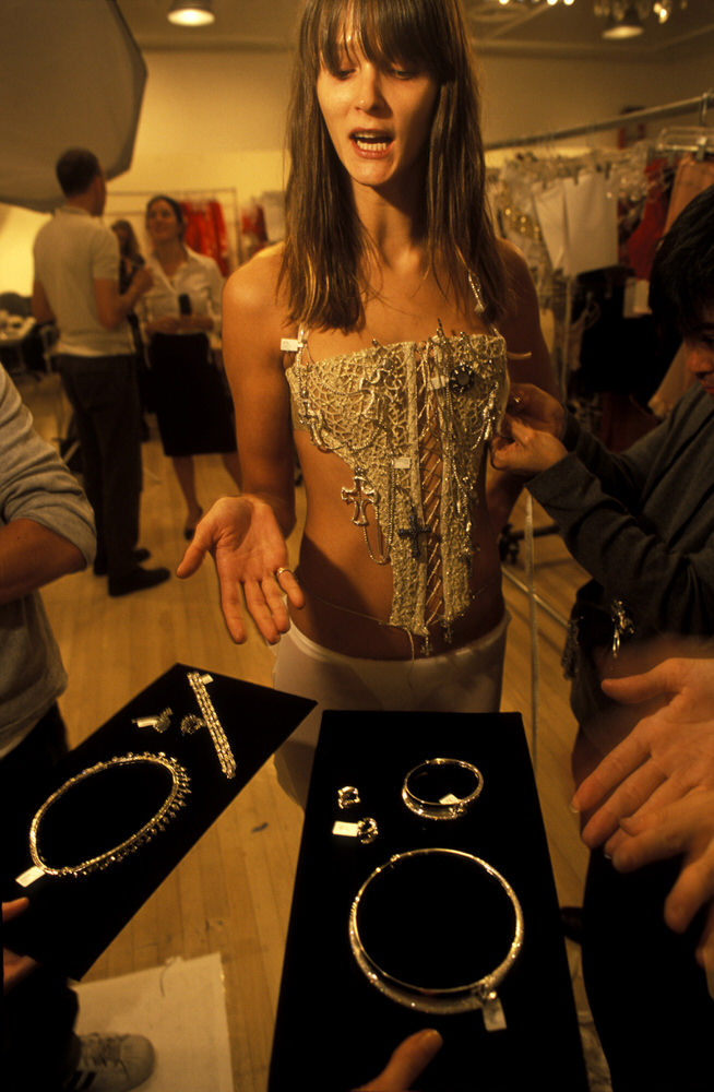Victoria's Secret Fashion Show 2002 – Fittings – Carmen Kass [x 2]