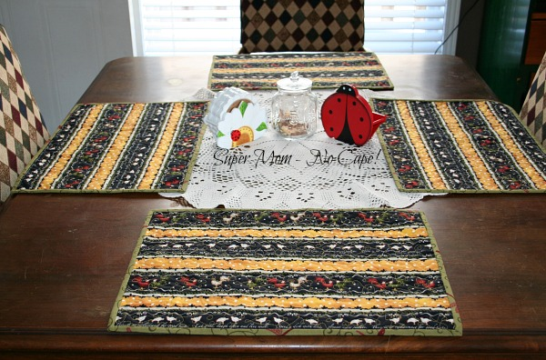 roosters and hens placemats