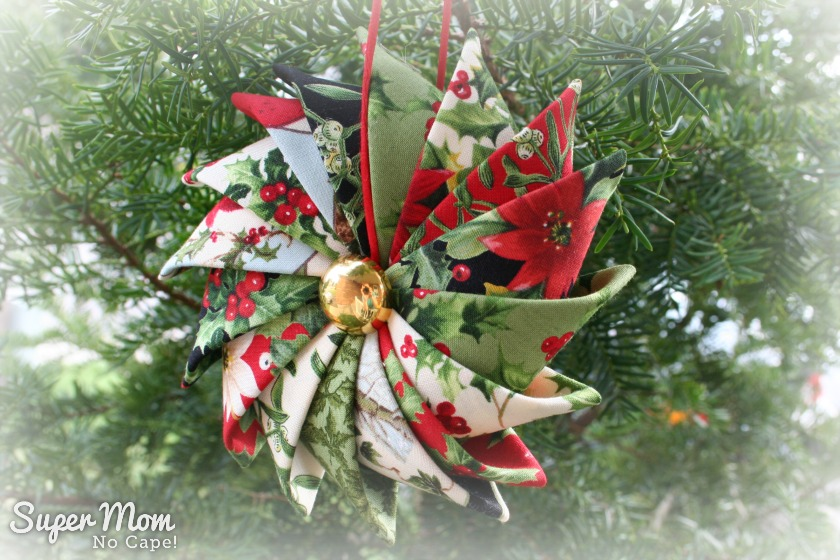 Prairie Point Star Ornament made with Season's Greetings by Sentimental Studios for Moda