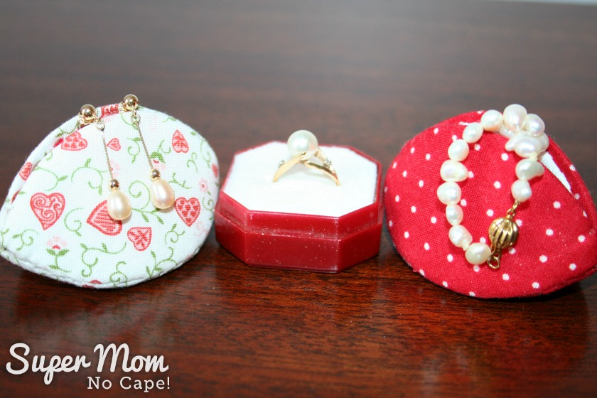 Last Minute Valentine's Gift Ideas - Valentine Pips as Jewelry gift boxes