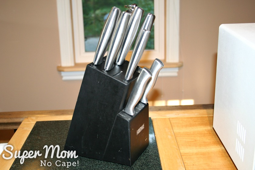 How to Set Up a Kitchen on the Cheap - knife block set