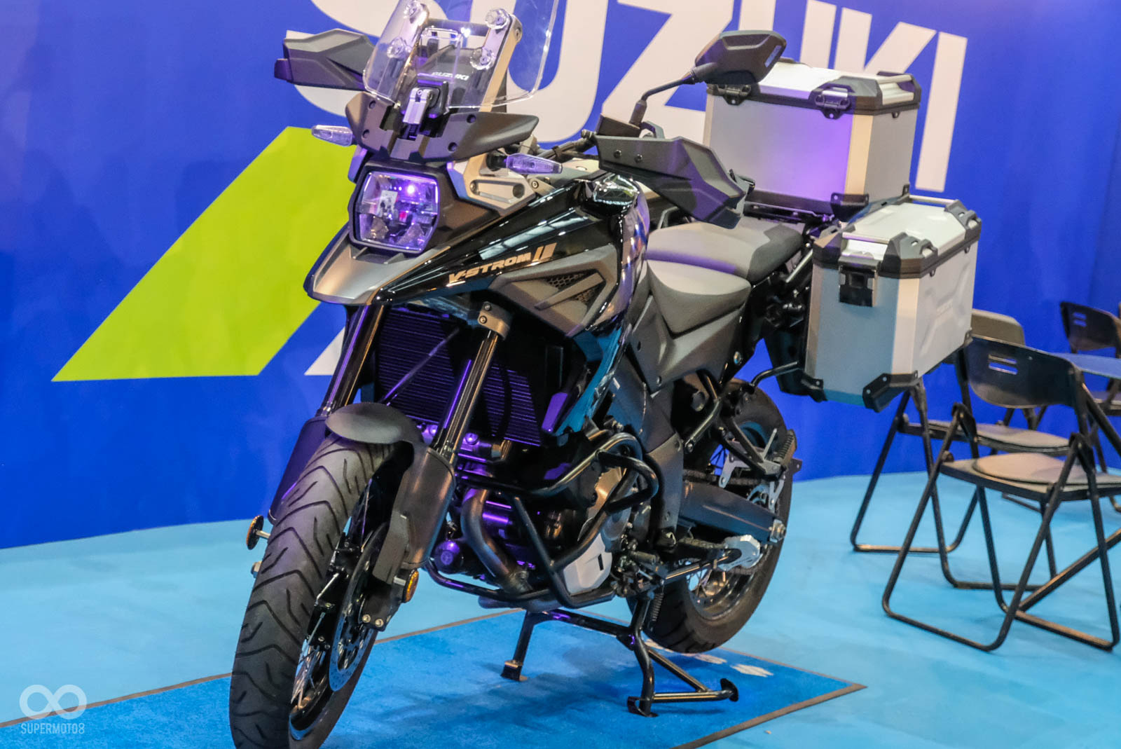 SHOEI X14 6折起出清,BSB冠軍Ducati V4R廠車展示 臺機2勢力週末登場 | SUPERMOTO8
