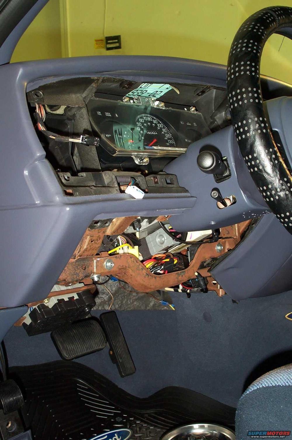 medium resolution of lower steering column cover remove jpg hits 2642 posted on 6 15 05 view low res