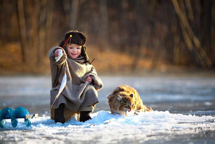 children-cat-playing-photography-1__880