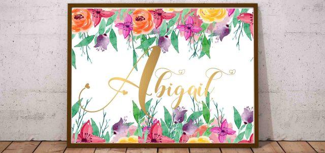 Plakat z imieniem dziecka i ozdobne litery na ścianę