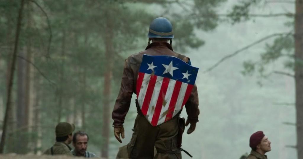 Chris Evans dans le rôle de Captain America