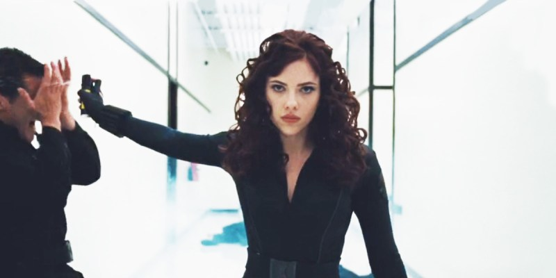 Black Widow (Scarlett Johansson) dans Iron Man 2