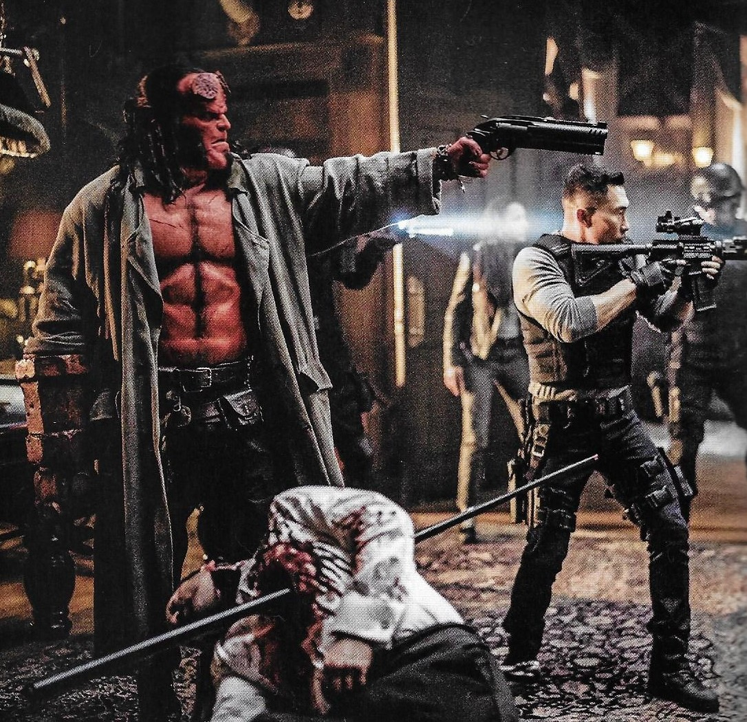 Hellboy (David Harbour) et le Major Ben Daimio (Daniel Dae Kim)