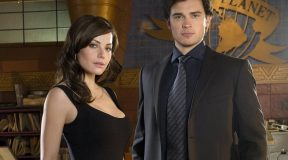 Erica Durance joins Tom Welling for 'Smallville' reunion on CW's 'Crisis on Infinite Earths'