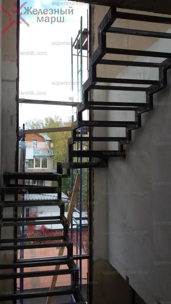 изготовление металлических лестниц дома https://www.supersvarshik.com/