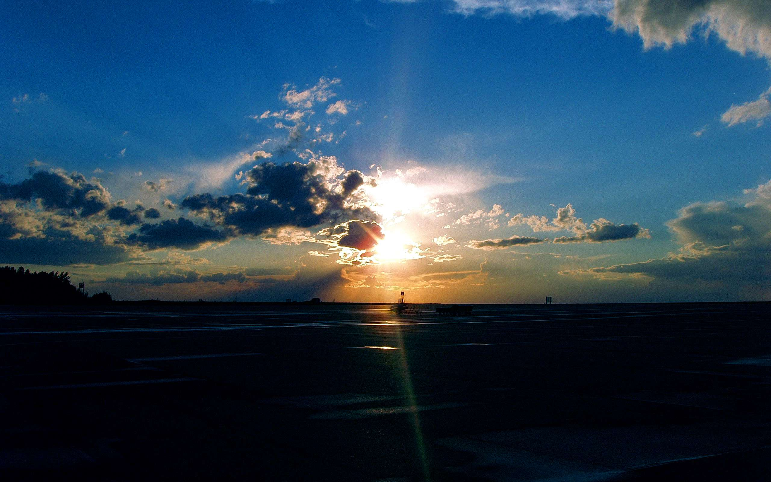 Download 3d Video Wallpaper For Pc Airport Sunset Wallpapers Hd Wallpapers