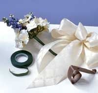 image shows how to make wedding pew bows