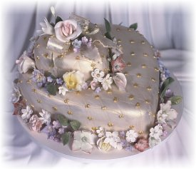 Picture of single tier heart wedding cake