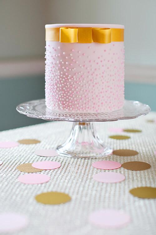 Small Wedding Cake - Pink |