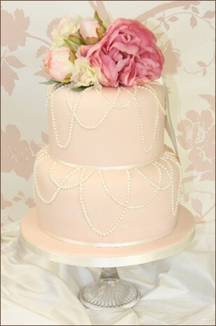 Small pink and white wedding cake see five gorgeous ideas small pink wedding cake with pearls junglespirit Images