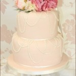 Small Pink and White Wedding Cake – See Five Ideas!