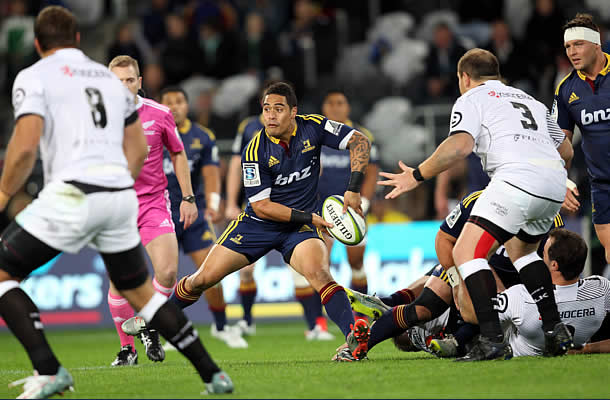 Aaron Smith returns to the Highlanders line up through the replacements bench