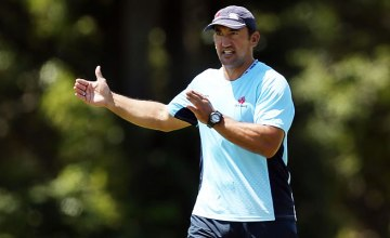 Waratahs head coach Daryl Gibson at training