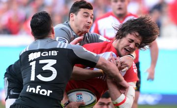 Franco Mostert tries to break through for the Lions