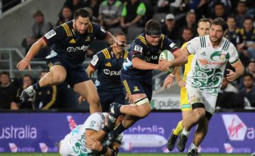 Tom Franklin of the Highlanders on the charge during the Round 12 Super Rugby match between the Highlanders and the Chiefs