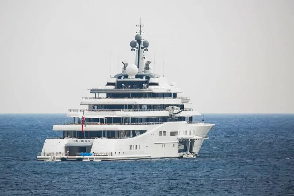 Inside Roman Abramovich' $700.000.000 ECLIPSE Yacht | SuperYachtFan