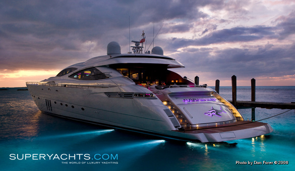 Carcharias Pershing Motor Yacht