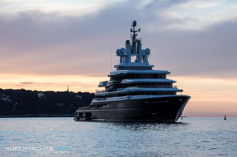Luna Photos Lloyd Werft Motor Yacht