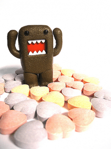 Domo and Sweetarts Image: Amarand Agasi via Flickr